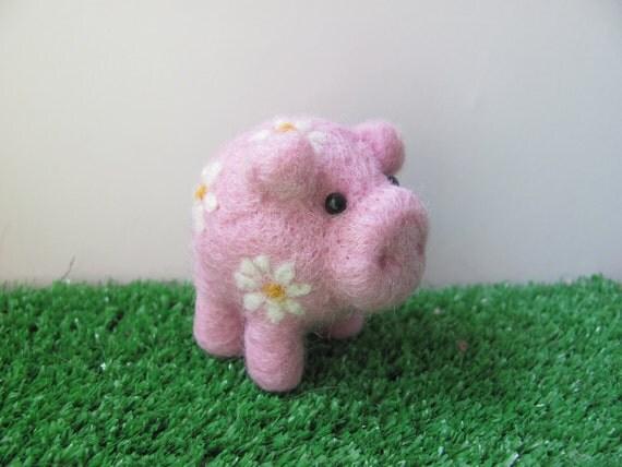 Daisy, needle felted piglet