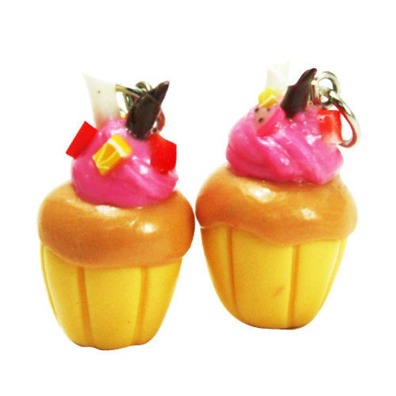 6 Miniature Yummy Cupcake Polymer Clay Foods Supplies for Beaded Jewelry Charms