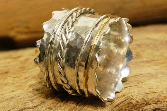 Hammered Sterling Silver Wavy Spinner Ring With a Gold Spinner