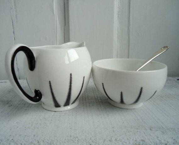 Retro Cream and Sugar, Rog Bros Daffodil Spoon, Vintage Merlinware Cream and Sugar, Black and White Cream and Sugar