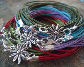 MARGARITE wrap bracelet with small flower en 5 colours