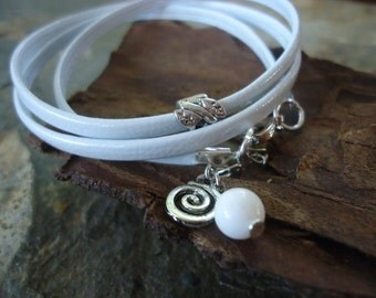 SOFT IN WHITE Wrap Bracelet with Coral, Spacer and Pendant (622)