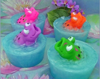 Frog Pond Soap Glycerin Bar with Squirt Toys Kids Bath Fun Party Set Lot 4 Frogs