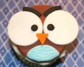 Fondant cupcake topper Big eye Owl