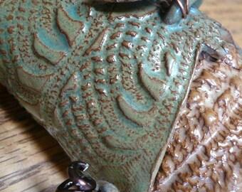 green dragonfly golden wall pocket