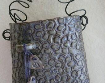 Crazy daisy wall pocket