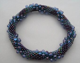 Bead Crochet Bangle Pattern:  Drops Traveling in Reverse