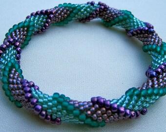 Bead Crochet Pattern:  Four Color Continuous Arrows  Pattern