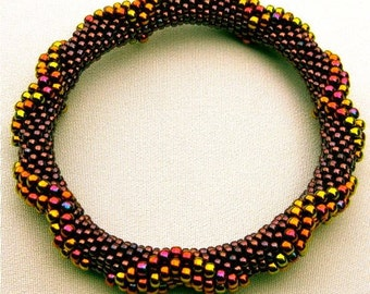 Bead Crochet Pattern:  Large Dimensional Diamonds All On The Outside