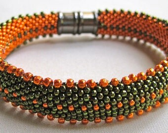 Bead Crochet Bangle Pattern:  Lots of Dots Bead Crochet Pattern