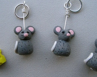 4 Mice and Cheese Stitch Markers:  Little Grey Mice Knitting Stitch Markers