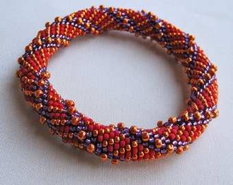 Bead Crochet Pattern:  Simple Spiral and Reverse Spiral
