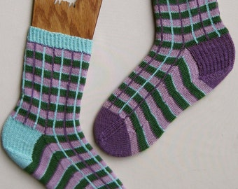 Knit Sock Pattern:  Mismatched Window Pane Socks