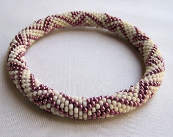 Bead Crochet Pattern:  Eccentric Zig Zag