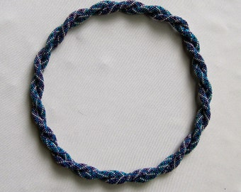 Bead Crochet Necklace Pattern:  Infinity Intertwined Necklace