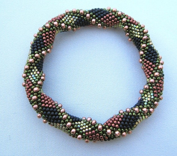 Bead Crochet Pattern:  Double Reverse Spiral to the 2nd Power
