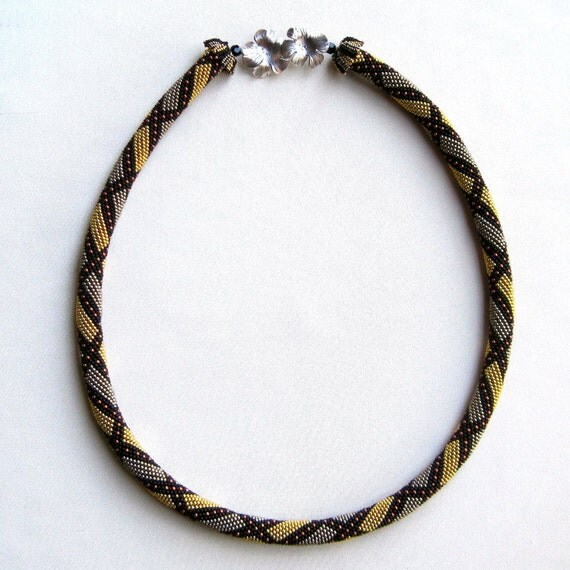 Bead Crochet Necklace Pattern:  Broken Reverse Spiral Necklace