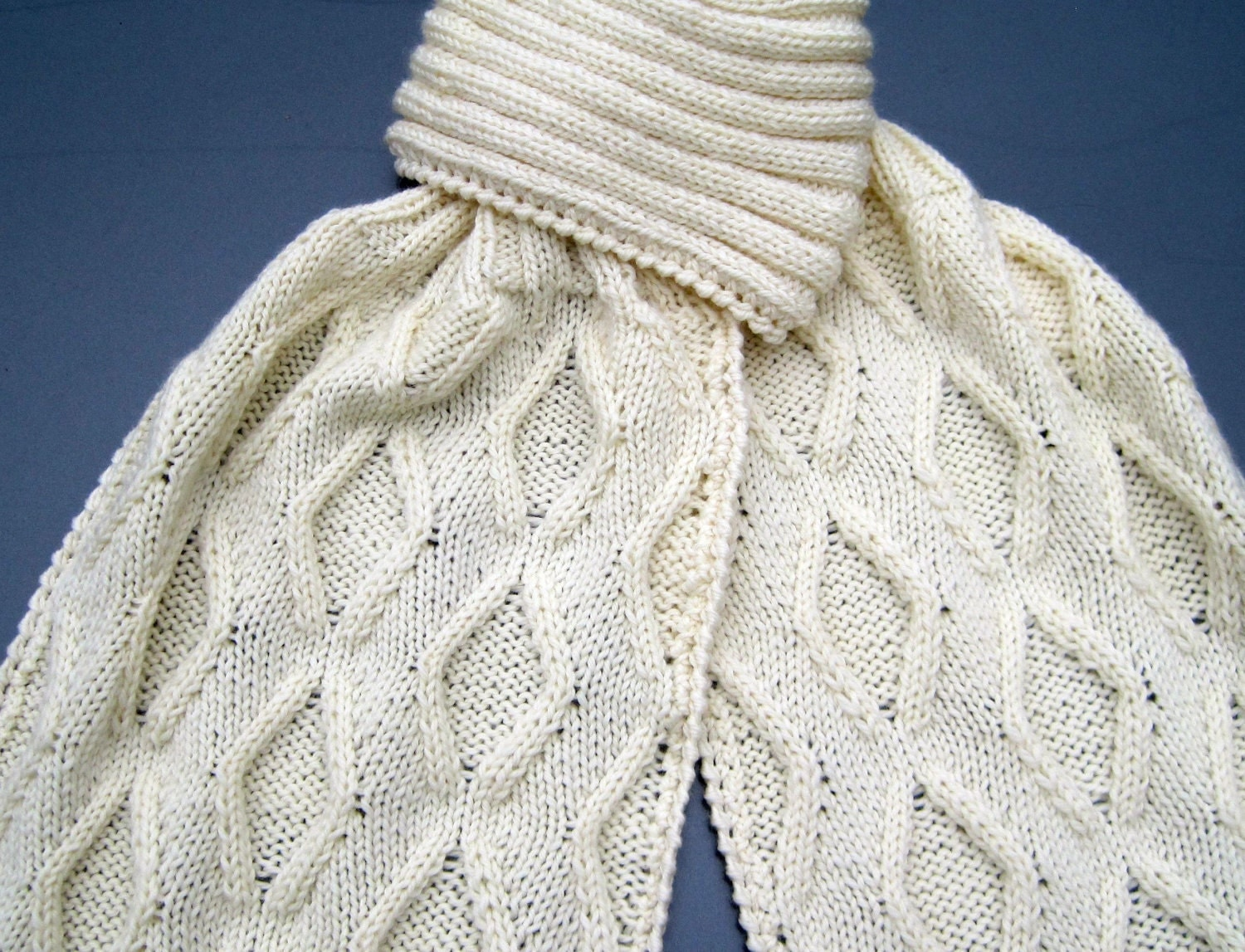 Knitting Patterns On Scarves : Knit Scarf Pattern: Diamond Cabled Turtleneck Scarf Knitting
