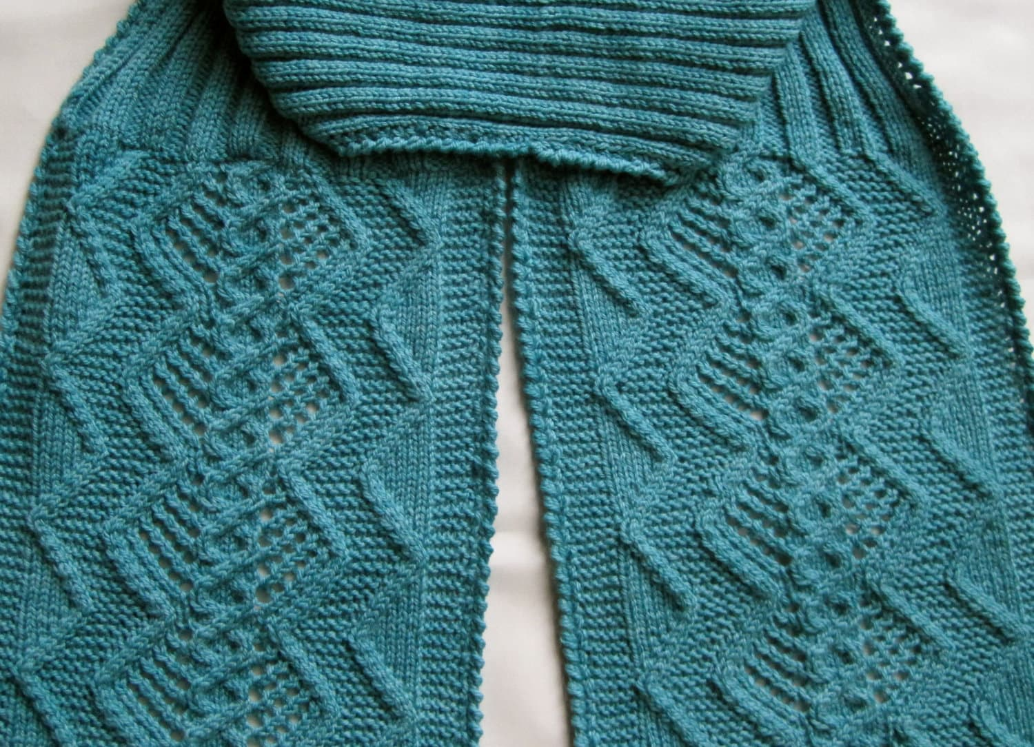 Knit scarf pattern double diamond cable lace turtleneck zoom bankloansurffo Image collections