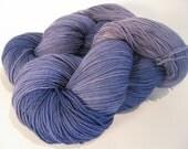 Hand dyed yarn violet Superwash Merino Nylon Fingering eco friendly