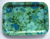 Breakfast in bed anyone...retro floral tin metal TV table tray short legs green blue aqua