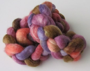 Silk blue faced leicester spinning top Grape Sangria, roving, BFL