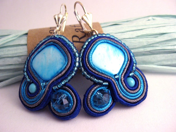Handmade Embroidered Soutache Earrings. Bead Embroidery. SoutacheJewelry. Mother of pearl beads.Swarovski crystal beads.