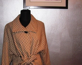 SALE: Khaki and Black Plaid vintage Coat