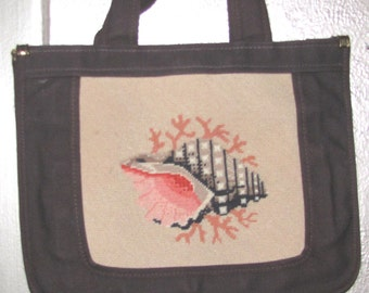 SALE: Embroidered Tote Bag / Summer Vacation on the Shore