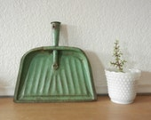 Vintage Metal Dust pan, Green