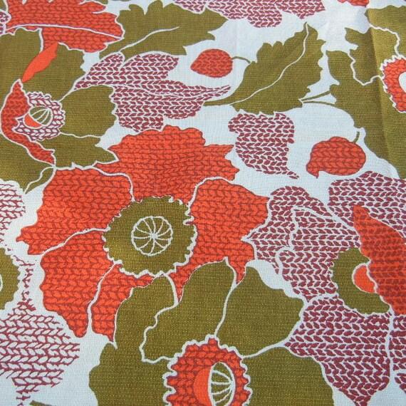 Vintage Barkcloth Fabric. Fun Floral Retro Print