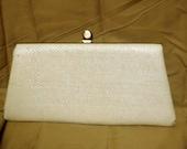 SALE 1950s white woven clutch