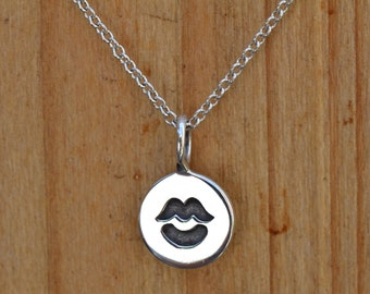 Tiny Kiss Necklace