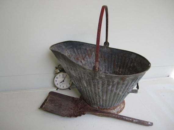 Vintage Galvanized Metal Bucket With Shovel Ash Bucket