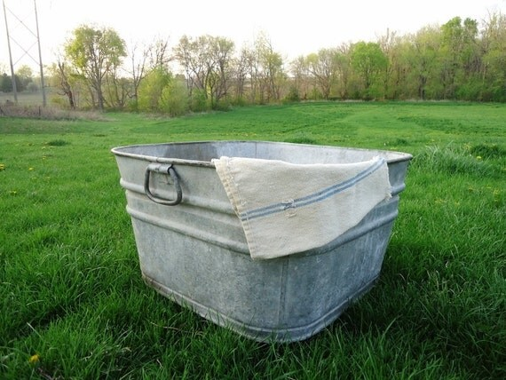 Large Wash Tub : Vintage Large Galvanized Wash Tub