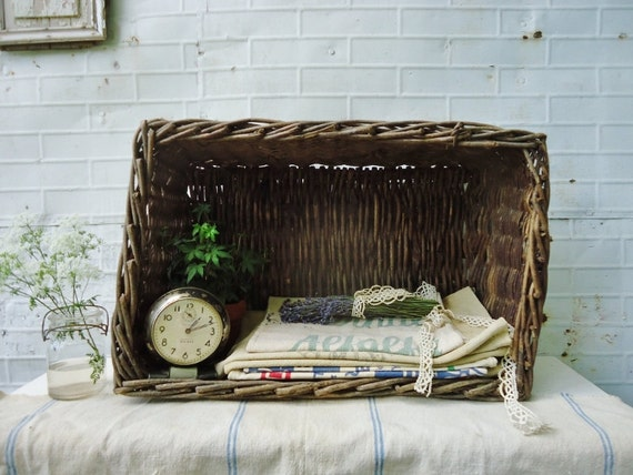 Antique Wicker Basket - Extra Large - Farmhouse Charm - Storage and Display