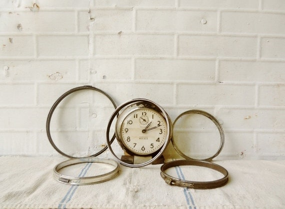 Vintage Metal Sewing / Embroidery Hoops - Set of 5 - Aged Patina
