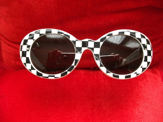 Vintage 60's deadstock mod white and black checkered sunglasses France