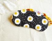 Travel eye mask - pan-fried eggs