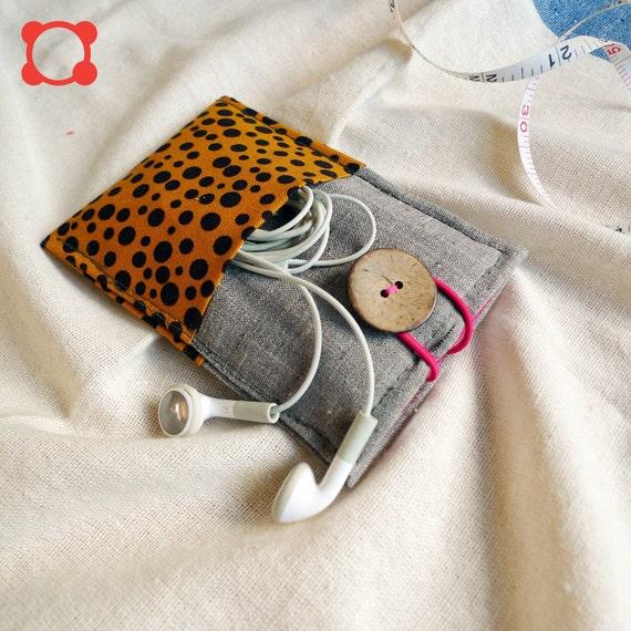 minimal pouch - giraffe on ash - 2 extra insert pockets