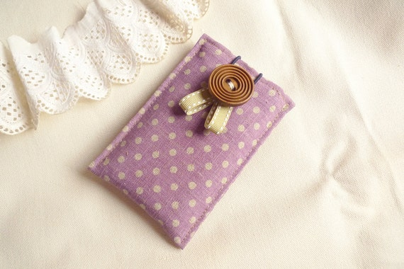 minimal pouch - polka dots on Lavender