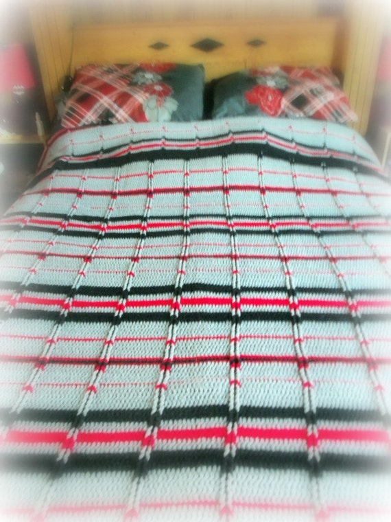 Crocheted Queen Size Blanket - Jeffrey - Red - Gray - Black - Afg...