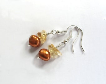Golden Pearl bridesmaid jewelry, pearl bridesmaid earrings, maid of honor, Yellow Fashion, Sterling Silver Earrings Citrine Chips