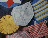 Leisure Arts Leaflet 1373 Nostalgic Pot Holders to Crochet Grandmas Kitchen Book 3