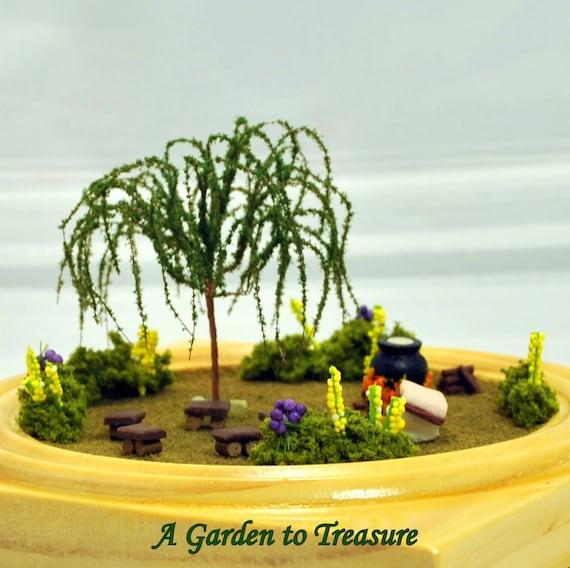Retreat - 4 inch Garden, Small Terrarium, Desktop Garden, Pagan Circle