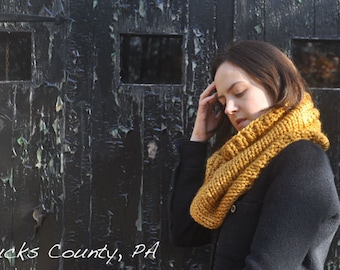 Knitting Pattern Infinity Scarf Cowl - Easy Intermediate