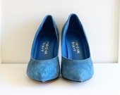Vintage Womens Shoes / Leather Blue Suede Shoes / Pointed Toe High Heels / size 8