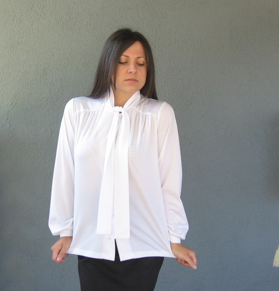 vintage pussy bow blouse classic white button up button down
