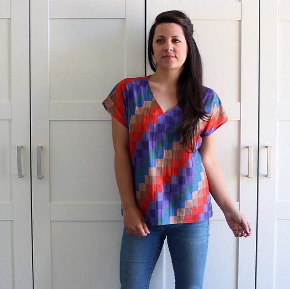 SALE - Vintage Colorblock 70s Tshirt, Bright Colorful Color Block Rainbow Blouse, Womens Tshirt, Vintage T Shirt, size Medium