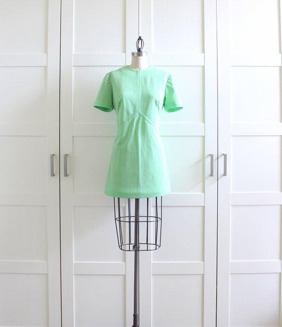 60s Mini Dress / 60s Mod Dress / Green Vintage Chevron Scooter Dress / Large